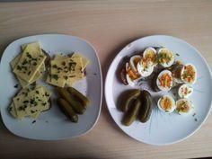 Unser-Mittagessen-Belegtes-Eiweiss-Brot-mit-Sauren-Gurken http://www.konzelmanns.de/low-carb-rezepte-kohlenhydrat-reduzierte-gerichte-kochen/index.htm