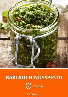 Selbstgemachte Bärlauch-Nusspesto - einfach köstlich!