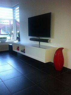 Make that! DIY floating TV cabinet Arturo by Leo from Belgium. Design by Neo-Eko from the Netherlands. | Zwevend tv-meubel door Leo, ontwerp door Neo-Eko. Bouwtekeningen voor moderne meubels.