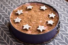 Christmas speculum cake – prepared without baking within 10 minutes! Christmas speculum cake – prepared without baking within 10 minutes! Cheesecake Recipes, Dessert Recipes, Strawberry Cheesecake, Romanian Food, Romanian Recipes, Puff Pastry Recipes, Most Delicious Recipe, Biscuits, English Food