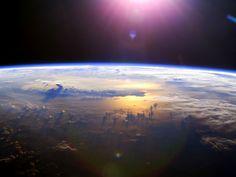 Visão do espaço em Tempo Real Online TV ao Vivo - Assistir a Terra do Espaço da Estação Espacial ISS - Lealtudo