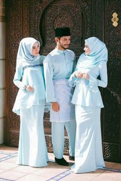 Party Outfit Casual Graduation 54 Ideas For 2019 graduation outfit ideas Party Outfit Casual Graduation 54 Ideas For 2019 Hijab Evening Dress, Hijab Dress Party, Hijab Style Dress, Dress Outfits, Casual Outfits, Blue Wedding Dresses, Blue Dresses, Bridesmaid Dresses, Model Kebaya