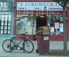 Południowy Londyn, sklep z miotłami