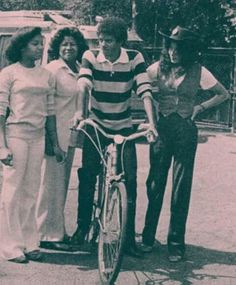 Michael Jackson in August 1979 with mother Katherine and sisters Janet and Latoya