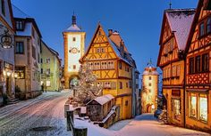 The snow-filled streets of Rothenburg at Christmas. Phono by the Rothenburg Tourismus.