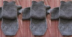SYNCOPATION SOCKS – Construction Chart by Mary Henninger, copyright November 2012  This pattern is provided free of charge for you...