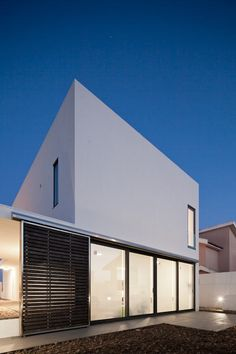 DJ House by [i]da Arquitectos