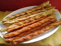 Domáce slané palice - recept | Varecha.sk Bacon, Breakfast, Food, Basket, Morning Coffee, Essen, Meals, Yemek, Pork Belly