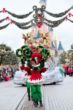 #Disneyland Paris. Disney Magic On Parade! Christmas xmas cavalcade trough main street with the Sleeping Beauty Castle in the background #DLP #DLRP  'Le Château de la Belle au Bois Dormant'