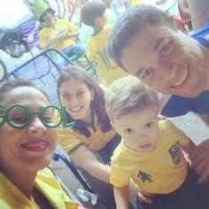 Marcela e a família que vieram de São Paulo para assistir os jogos em Goiânia