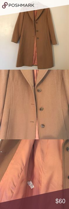Calvin Klein Wool Coat In excellent condition - no stains, scratches, stains or holes. It fits a 6 or can wear as an 8 to fit a thicker sweater underneath it. It has a pink/salmon-colored silk lining. This is a timeless, classic piece perfect to have in your wardrobe to wear to special events or to wear with jeans for a refined, preppy look. Originally 200$ - good luck finding for a better price 😗 Calvin Klein Jackets & Coats