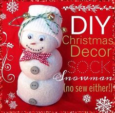 Looking for new, cheap Christmas decorations? Make adorable no sew snowmen out of Dollar Store socks!