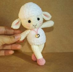 Meryl the sheep - FREE amigurumi pattern