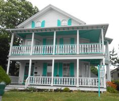 Love the Victorian Style Bed & Breakfast Inns in Cape May New Jersey. Gorgeous!