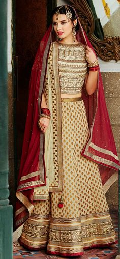 Get an exclusive range of bridal lehenga choli online shopping. Our bridal lehenga online USA style dresses will give you the perfect ethnic ensemble look. Wedding Chaniya Choli, Ghagra Choli, Bridal Lehenga Choli, Lehenga Saree, Bridal Lehenga Online, Lehenga Choli Online, Designer Sarees Wedding, Designer Anarkali Dresses, Choli Dress