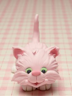 Kitty Jubilee ~ pink kitty cake topper from Cakes & Sugarcraft Magazine