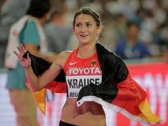 Gesa Felicitas Krause DEU Leichtathletik 3000m Hindernislauf Team Toyota, Sports, Tops, Dresses, Style, Fashion, Obstacle Course, Track Field, Hs Sports