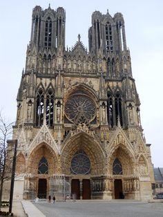 Comprar passeios – ParisCityVision Gostaria de fazer um passeio por Paris ou alguma outra atração da França e não tem muito dinheiro? Tem medo de viajar sozinho (a)? Contrate uma excursão! Dicas do Blog Direto de Paris