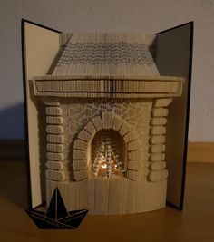 Book Crafts, Paper Crafts, Cut And Fold Books, Book Folding Patterns, Folded Book Art, Fairy Tales, Origami, Recycling, Carving