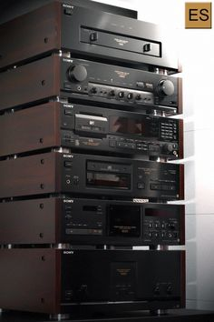 Hifi Stereo, Audio Amplifier, Hifi Audio, Audiophile, Home Theater Sound System, Home Theatre Sound, Cartoon House, Sound Studio, Home Speakers