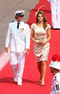 Princess Madeleine (R) and Prince Carl Philip of Sweden (L) arrive for the wedding mass of Prince Albert II of Monaco and Princess Charlene in the Main Courtyard of the Princes Palace in Monaco, 02 July 2011.