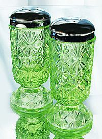 4'' Fine Cut and Block Salt & Pepper Shakers in Key Lime FENTON