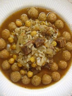 MEAT STEW WITH BULGUR BALLS Ingredients: 1/3 cup of uncooked chickpeas 1 lb of lamb cubes ( or beef cubes ...