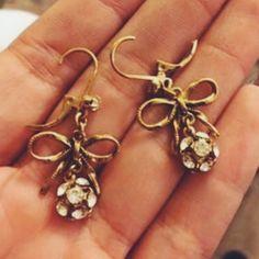 Betsy Johnson bow earrings Worn once! Betsey Johnson Jewelry Earrings