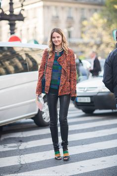 Street Style | Leather and plaid #fashion