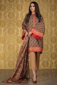 3 Piece Printed Khaddar Suit with Khaddar Dupatta Pakistani Fashion Casual, Pakistani Dresses Casual, Pakistani Dress Design, Indian Dresses, Stylish Dress Designs, Stylish Dresses, Casual Dresses, Fashion Dresses, Kurta Designs