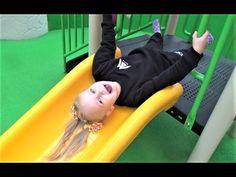 ВЛОГ Алиса дерётся с детьми на детской площадке МЫ В ШОКЕ