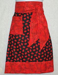 $20.00 Kissee Lips Waist Apron.  www.AGiftToTreasure.com