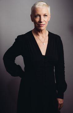 Annie Lennox embraces 'Nostalgia' | The Columbian