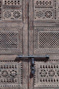 Africa | Latch on a closed wooden gate, Ouarzazate, Souss-Massa-Draâ, Morocco | ©Günter Flegar