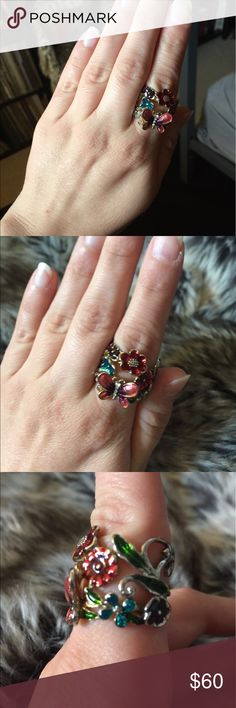 Gorgeous Butterfly Ring Gold Butterfly ring with vintage style flowers. Jewelry Rings