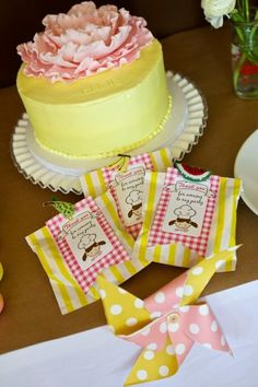 Birthday cake and treats Cute Birthday Ideas, Birthday Cakes For Teens, Baking Birthday Parties, Baking Party, Little Girl Birthday, 3rd Birthday, Baking With Kids, Cupcake Party, Love Cake