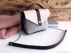 831a776ce5bb Женские сумки ручной работы. Ярмарка Мастеров - ручная работа. Купить  Светло-серая сумка через плечо из фетра и натуральной кожи. Handmade.