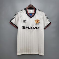 Manchester United FC - 1983 Charity Shield Shirt – Fergie Time Threads Manchester City, Liverpool, Camisa Retro Corinthians, Football Squads, Retro Football Shirts, White Strips, Charity, The Unit, Mens Tops