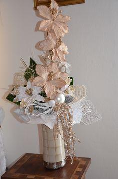 Hanukkah, Wreaths, Home Decor, Crystals, Manualidades, Homemade Home Decor, Door Wreaths, Deco Mesh Wreaths, Interior Design