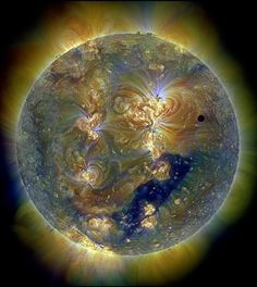♥ Venus and the Triply Ultraviolet Sun. I looked this up to make sure it wasn't photo shop -  it is for real - beautiful!!!