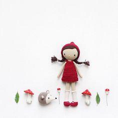 MAQUETTE - Mein Rotkäppchen. Eines meiner Lieblingsmärchen als Kind  My Little Red Rinding Hood. One of my favorite fairytales. Thank you @la_crocheteria Leticia for the pattern  Kırmızı başlıklı kızımı çok sevdim. Çocukken en sevdiğim masalardan biriydi  - Pattern  Little Red Riding Hood by @la_crocheteria • yarn  Schachenmayr Catania • hook size  2,5mm -
