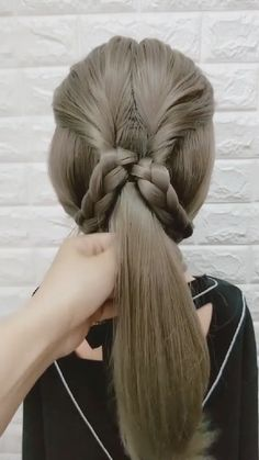 # how to do a big Braids Hairstyle Tutorial 404 Easy Hairstyles For Long Hair, Girl Hairstyles, Braided Hairstyles, Hairstyles Videos, Waitress Hairstyles, Easy Wedding Guest Hairstyles, Medium Hair Styles, Curly Hair Styles, Hair Upstyles