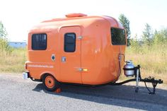 Tangerine Uhaul. www.oldschooltrailerworks.com..Re-pin Brought to you by agents at #HouseofInsurance in #EugeneOregon for #LowCostInsurance Scamp Trailer, Tiny Trailers, Camper Trailers, Tiny Camper, Camper Caravan, Vintage Caravans, Vintage Trailers, Vintage Campers, Old Campers