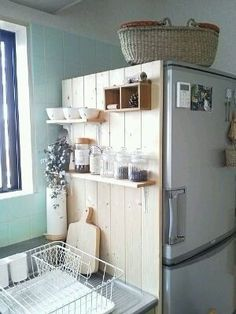 Diy kitchen storage - A good place for keeping the kitchen! I tried to do – Diy kitchen storage Cheap Home Decor, Diy Home Decor, Home Decor Styles, Decor Crafts, Wood Crafts, Diy Crafts, Diy Kitchen Storage, Small Kitchen Organization, Small Bathroom Storage