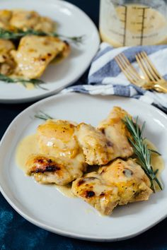 Holy yum chicken — the name speaks for itself. If you have never made anything from my blog, drop everything and make this for dinner tonight. I'm telling you, YOU.WILL.NOT.REGRET.IT. #chicken #chickenrecipes #holyyum #easydinner #quickdinner #chickendinner #weeknightmeals