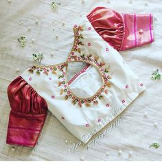 DM for Credits or Removal 😃 . Tag your picture to get featured on this page . Blouse Back Neck Designs, New Saree Blouse Designs, Blouse Designs Catalogue, Kids Blouse Designs, Bridal Blouse Designs, Blouse Patterns, Blouse Neck, Latest Blouse Designs, Peacock Blouse Designs