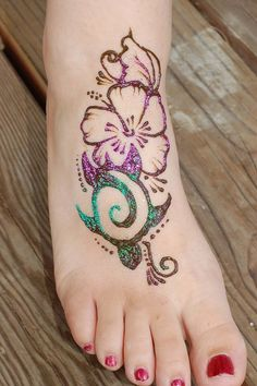 hawaiian henna - would love this for a Tattoo!!  Love the colors!