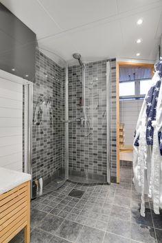 liten bastu bakom duschen!