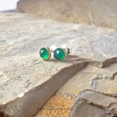oorknoppen met groene onyx | www.jeanetkuiper.com