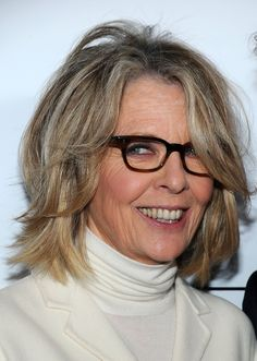 10 Celebs Who Are Graying Gracefully